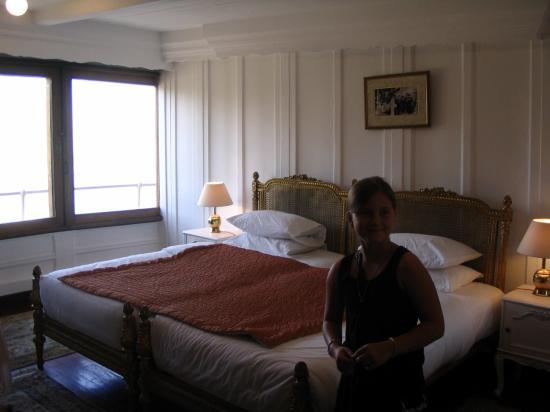 Cloé dans une des suites.