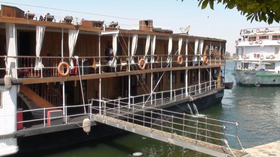 Le Sudan à quai à Louxor