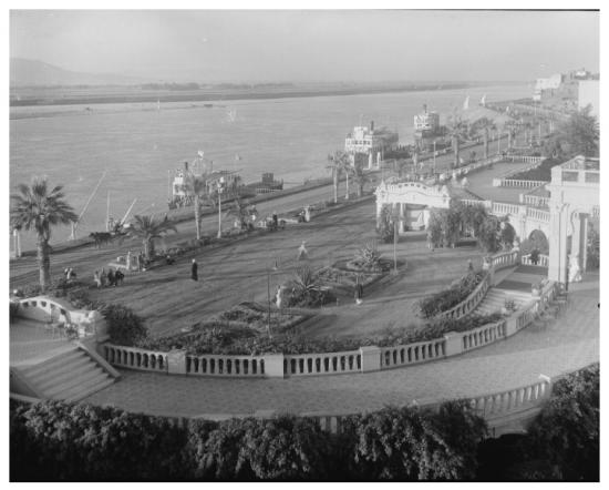 Le Old Winter Palace en 1936.