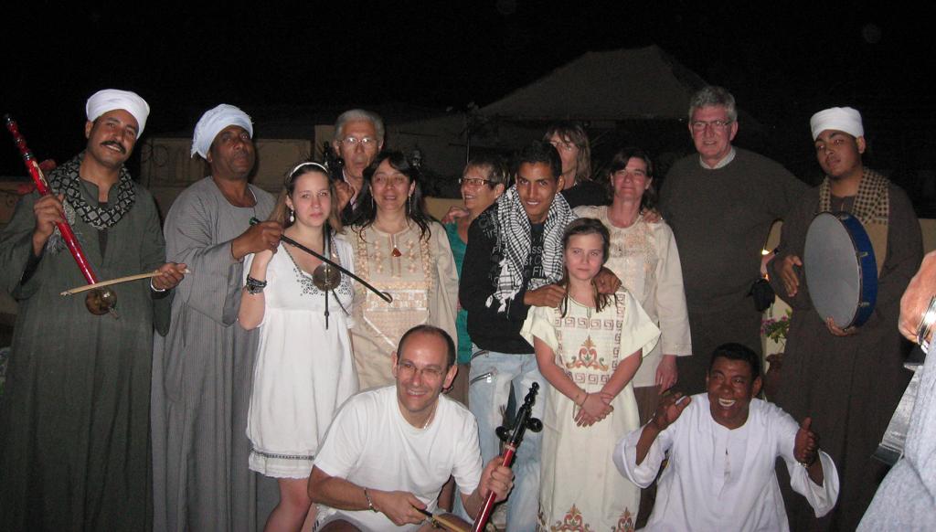 Anniversaire pascal sur la terrasse - Mars 2010