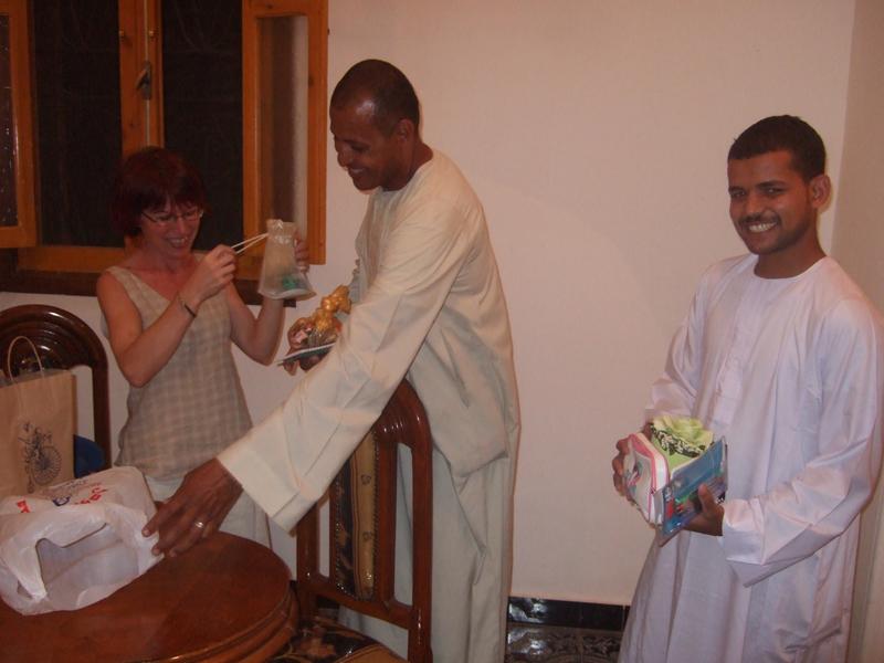 Mohammed, le cuisinier en Avril 2008, et Ahmed le gardien.