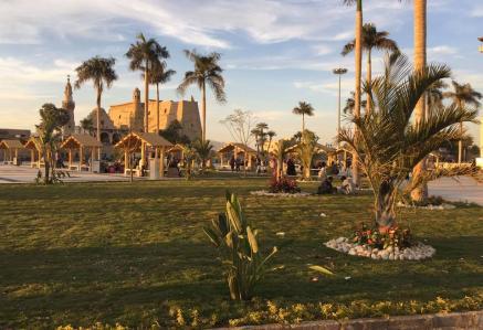 Esplanade devant le temple de Louqsor