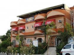 Hôtel Nile valley - Dans la rue de l'embarcadère.