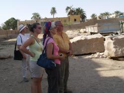 Au centre Marie-Paule - Le Ramesseum