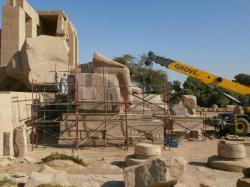 Déplacement des fragments - Le Ramesseum