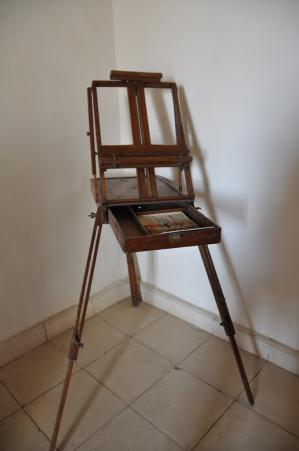 Un chevalet de peintre