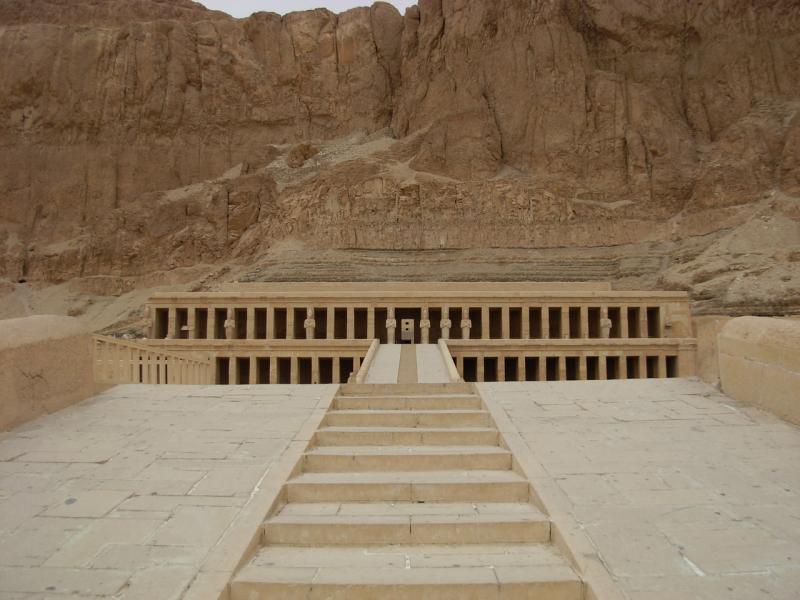 Photo d'Aline Mai 2009 - Temple d' Atchepsout à deir el Bahari