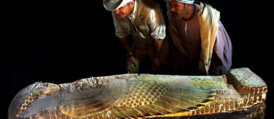 Les archéologues espagnols et leur découverte. © Luxor Times