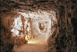 Couloir d'environ 70m de la tombe.