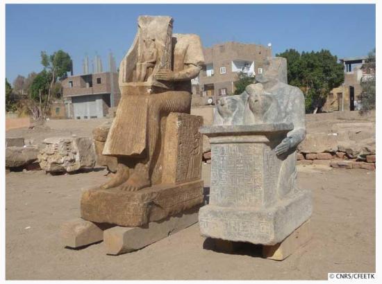 Les deux statues