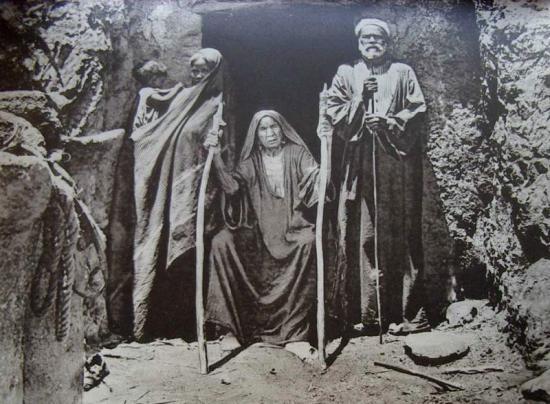 A droite : Ahmed Abd el Rassoul