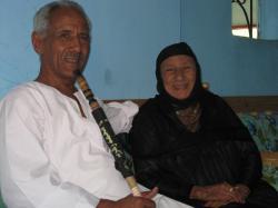 Sayed (le frère de Mohamed) et sa maman.