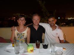 Florence, Alain et Ali sur la terrase de KV1.