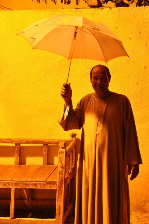 Image exceptionnelle : Ragab à Gourna sous la pluie !