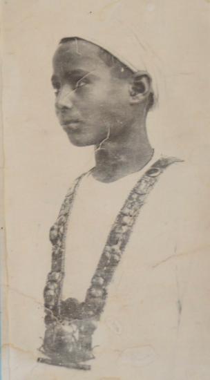 Hussein Abdel Rassoul portant le pectoral de Toutankhamon !